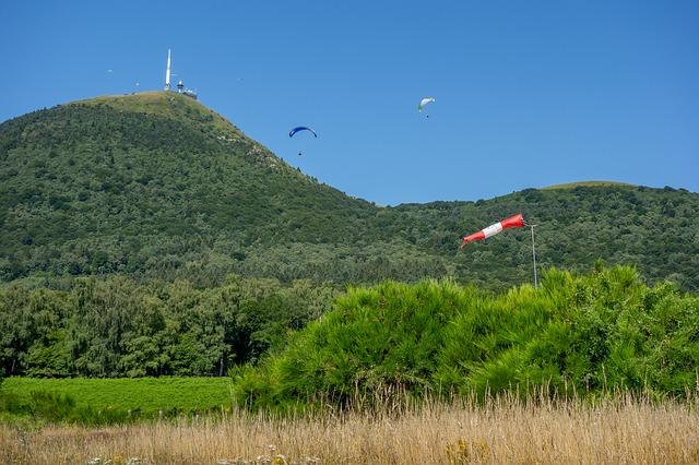 Monter au sommet du Puy-de-Dôme pour un EVJF ou un EVG